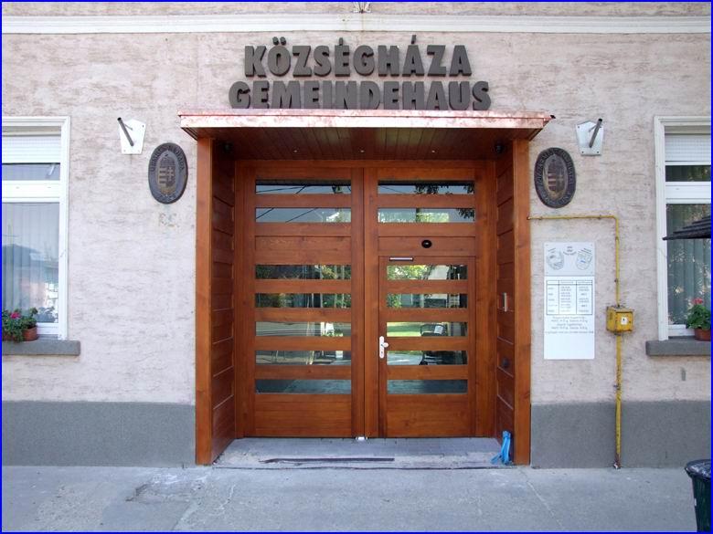 Ajtónyitó referencia - Taksony Községháza
