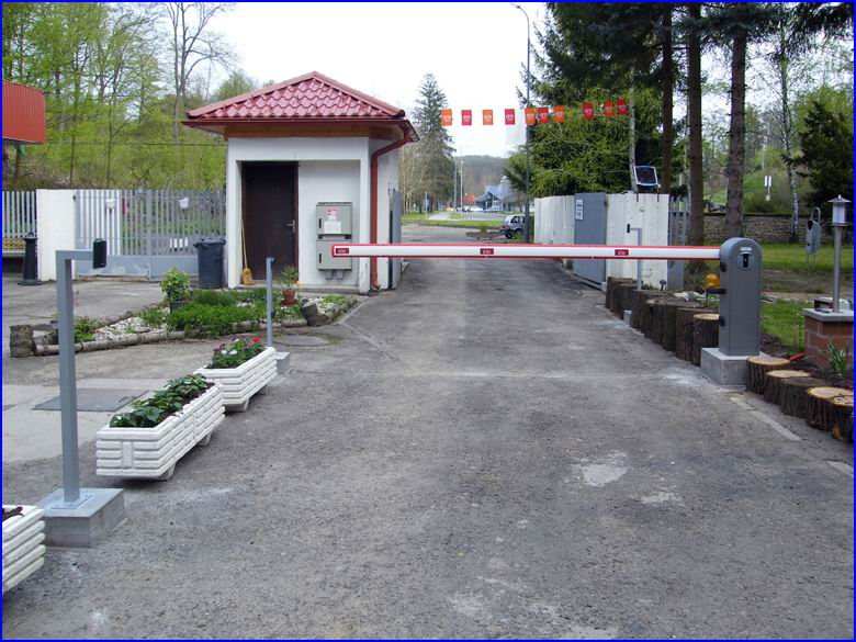Biztonságtechnika referencia Mediano Thermal Camping - DITEC sorompó