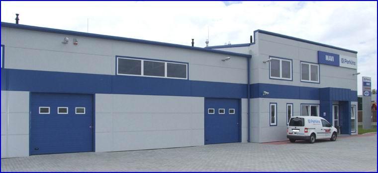 Egyedi festésű DITEC ipari kapuk