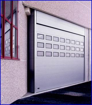 DITEC ipari kapu normál ablakokkal, fekete gumi kerettel