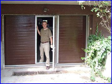 ECOTOR garázskapu beépített ajtóval