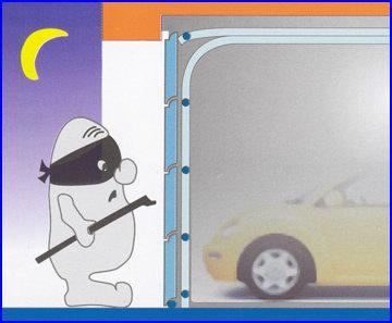 Az ECOTOR garázskapu védi autóját