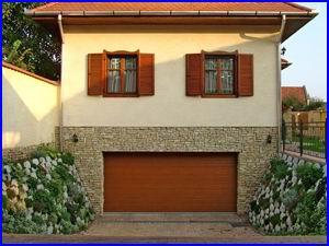 Egy elegáns garázskapu szebbé teszi otthonát