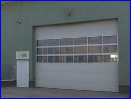 Ipari kapu FULL VISION panoráma ablakokkal is