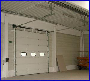 ECOTOR ipari kapu belülről nézve zárt helyzetben