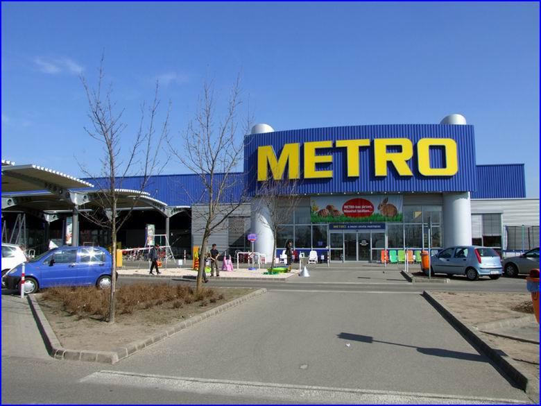 Ipari gyorskapu referencia - Metro áruház Kecskemét