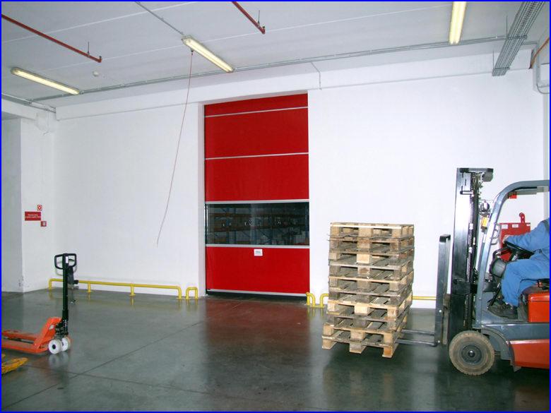 Ipari gyorskapu referencia - CBA Logisztikai Központ