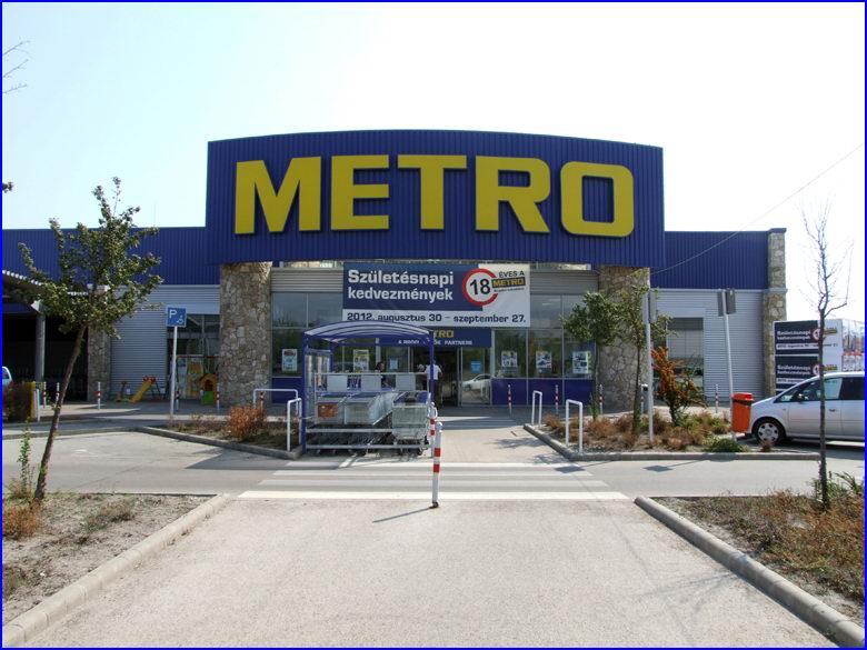 Ipari gyorskapu referencia - Metro áruház Budakalász