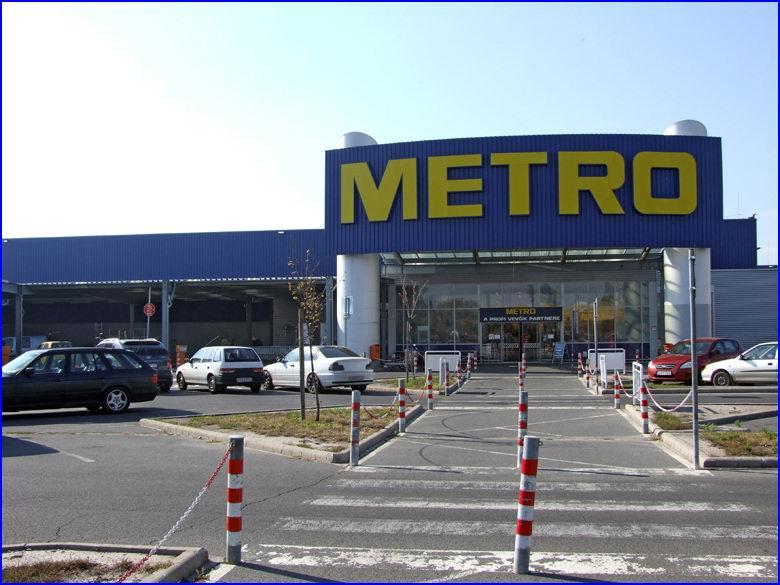 Ipari gyorskapu referencia - Metro áruház Budapest Gyáli út