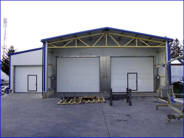 3db DITEC ipari kapu, átjáró ajtóval, ipari kapunyitó motoral a Luckympex Kft-nél