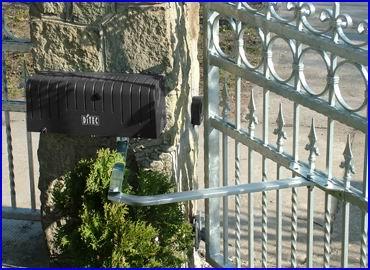 DITEC ARC csukl�karos elektromos kapunyit� szett sz�rnyas kapukra