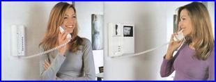 BPT audio és videós kaputelefon, akár több 100 lakásos kaputelefon rendszer. SYNERTECH színes, videós kaputelefon.