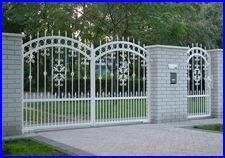 Kovácsoltvas szárnyas kapu és kerítés