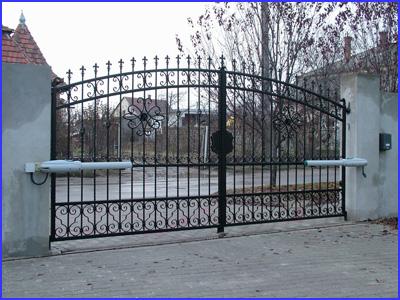 DITEC LUXO kapunyitó kétszárnyú kovácsoltvas kapun