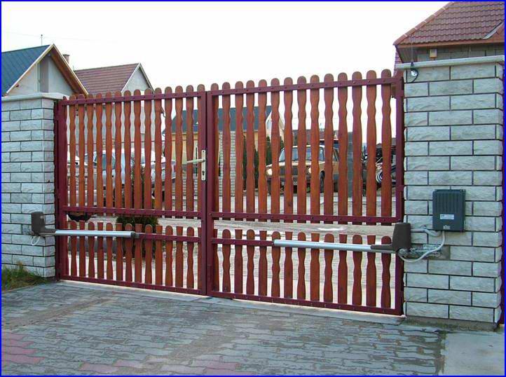 OBBI kapunyitó deszkázott kapun