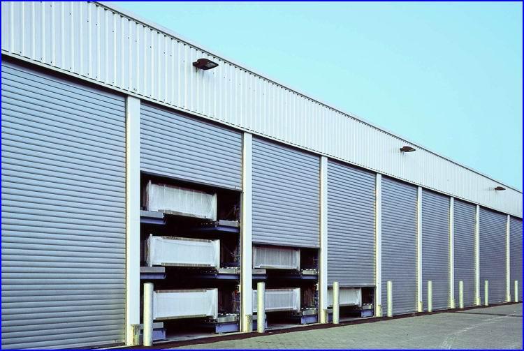 Intenzíven terhelhető Teckentrup ipari redőnykapuk raktárbázisokba