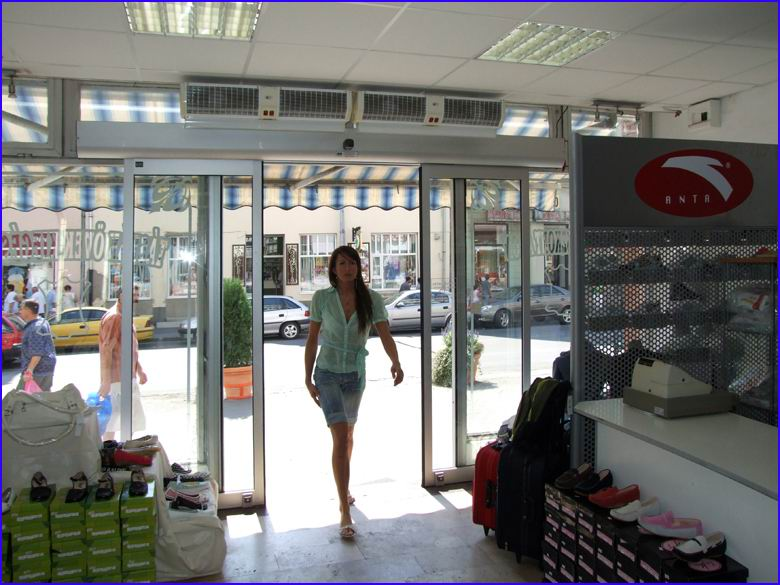 Automata ajtó referencia - Alfio Raldo cipőbolt