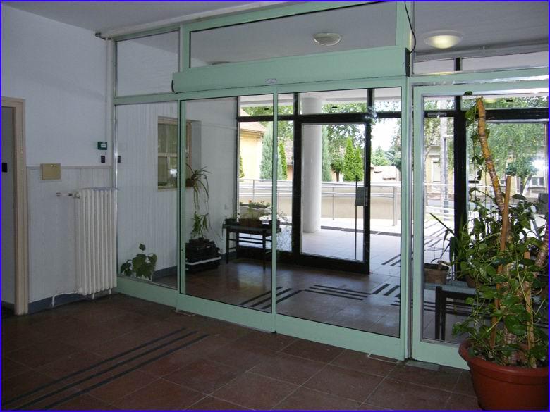 Automata ajtó referencia - Bonyhádi Városi Bíróság