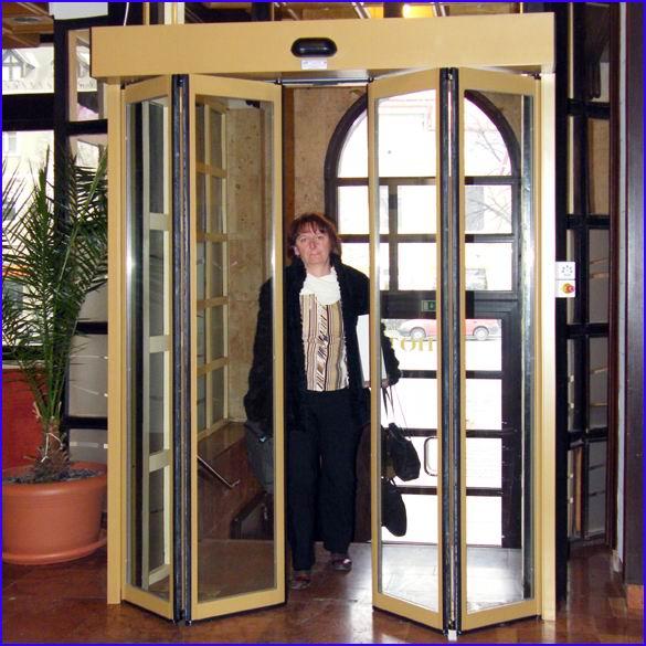Automata ajtó referencia - Hotel Arany Bárány