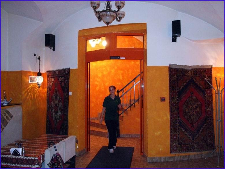 Automata ajtó referencia - Istanbul étterem