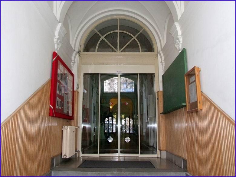 Automata ajtó referencia - Károlyi Mihály Szakközépiskola