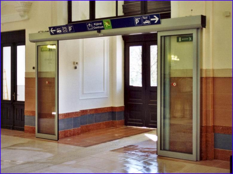 Automata ajtó referencia - MÁV pályaudvar Szombathely