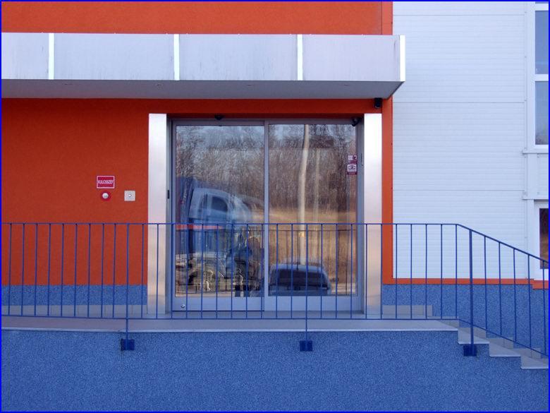 Automata ajtó referencia - Orange Pack Kft