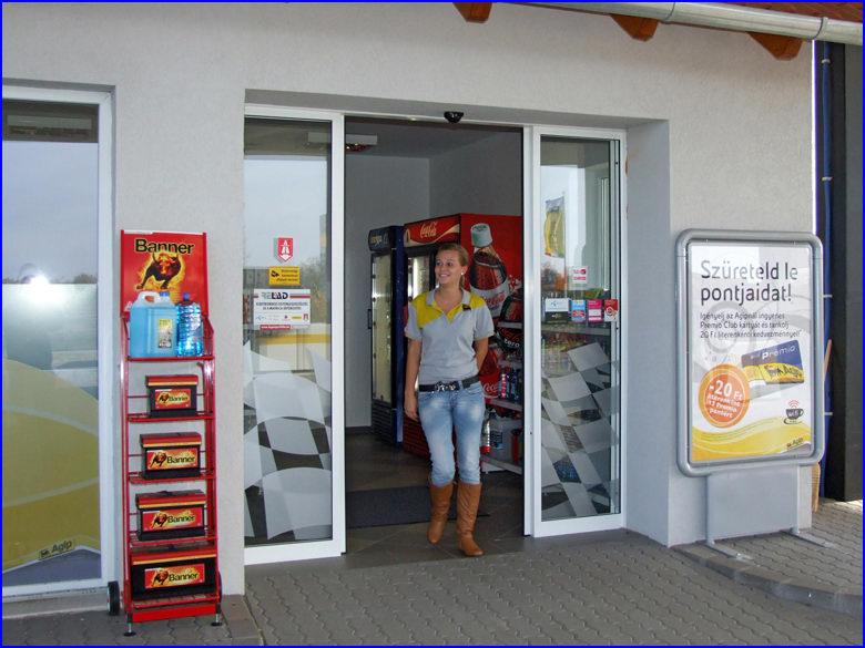 Automata ajtó és üvegportál referencia - Agip benzinkút Dunaharaszti