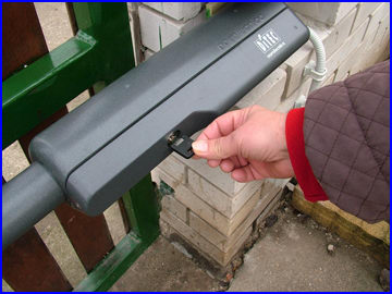 A SILVER kapunyitó kioldása áramszünet esetén