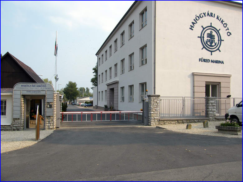Sorompó referencia - Füred Marina kikötő