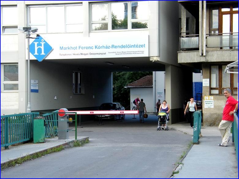 QIK-7EH sorompó referencia - Markhot Ferenc kórház főbejárat