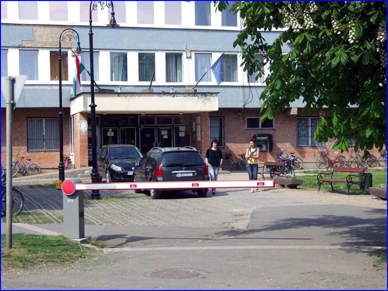 Sorompó referencia - Tiszafüred Város Önkormányzata, Polgármesteri Hivatal