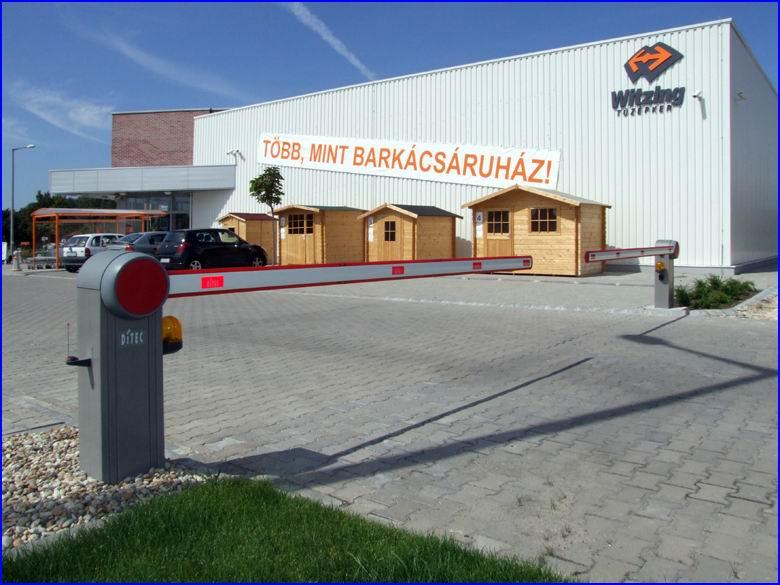 Sorompó referencia - Tüzépker Kft Dabas, bejárat az áruház parkolójába